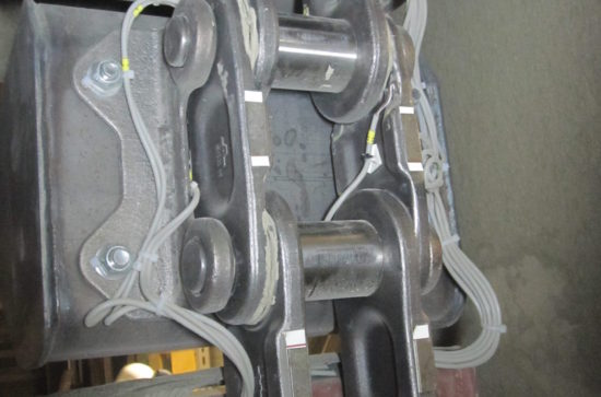 Field-test-in-a-Cement-Plant.-Chain-and-Buckets-wired-up-to-Measuring-Equipment_1