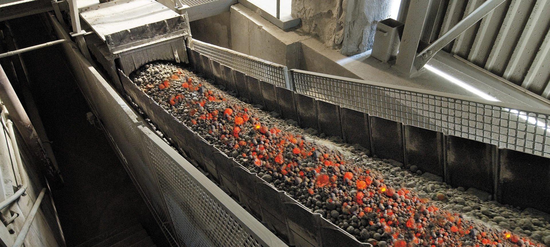 AUMUND-pan-conveyors