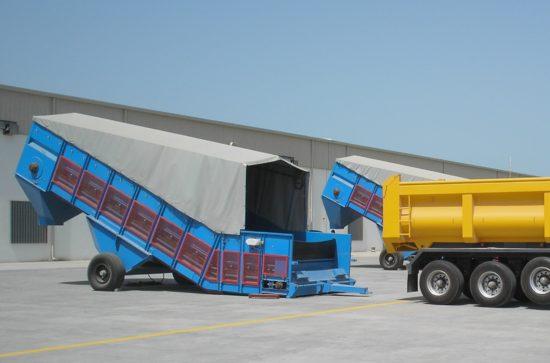 Mobiler Samson® Materialförderer für Düngemittel