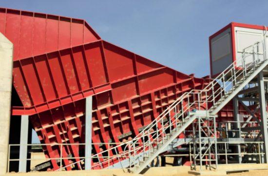 AUMUND-Arched-Plate-Conveyor_2