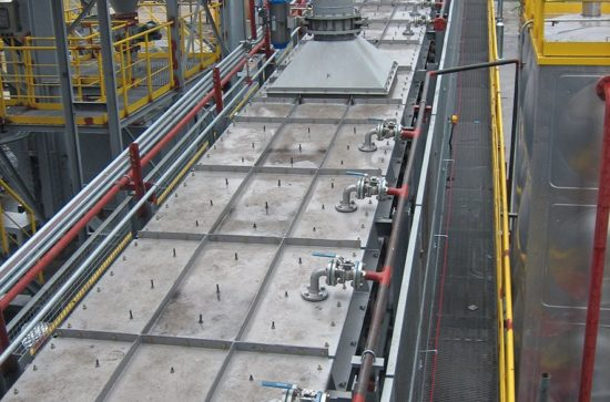 Conveying and Cooling of HBI with AUMUND Flat Plate Conveyor type FPB-K (example, photo AUMUND)